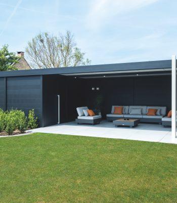 Aluminium tuinhuis met overdekte zithoek