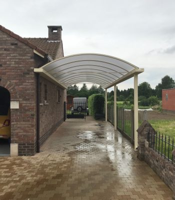 https://metallooks.be/wp-content/uploads/2017/02/Metallooks-I-gebogen-aanbouwcarport-350x400.jpg